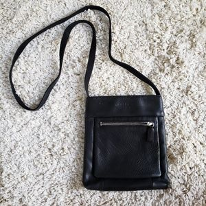 Nine west leather shoulder bag - black